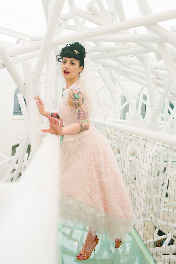 Panna Młoda z tatuażem