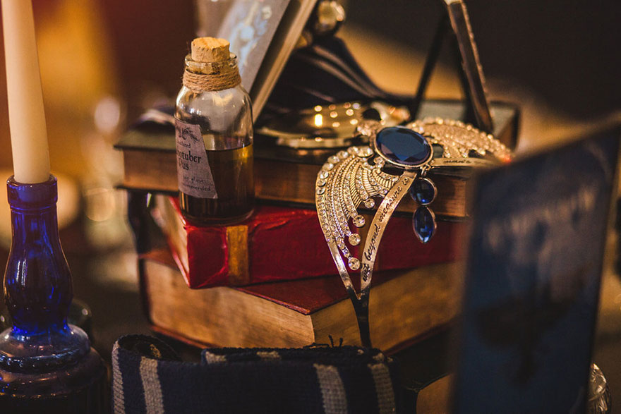 16harry-potter-themed-wedding-cassie-lewis-byrom-28