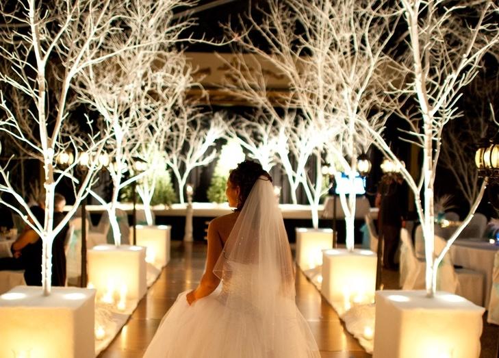 Dekoracja-kościoła-na-ślub-zimą-zdjęcia-18